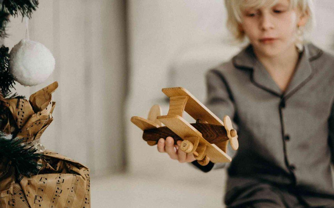 Maderera Andina: La madera, juguetes y navidad